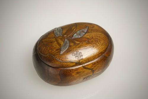 A Japanese paulownia wood sweet box - Asian Art & Antiques Style