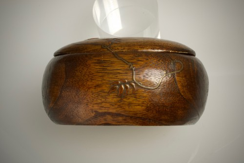 A Japanese paulownia wood sweet box -