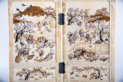 A Japanese shibayama table screen -
