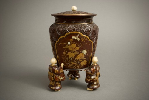 Asian Art & Antiques  - Shosai - A Japanese wood and lacquer O-natsume