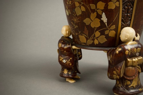 - Shosai - A Japanese wood and lacquer O-natsume