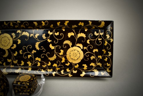 A Japanese incense ceremony lacquer service - Asian Art & Antiques Style