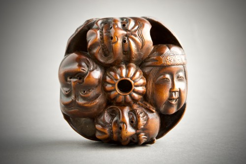 A Japanese netsuke of N?h and Kyogen theatre masks - Asian Art & Antiques Style