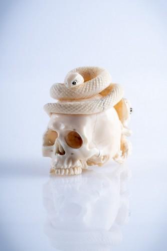 Antiquités - A Japanese ivory vanitas