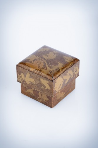 A Japanese lacquer kogo box - Asian Art & Antiques Style