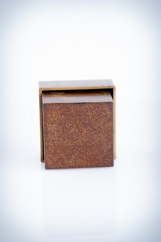A Japanese lacquer kogo box -