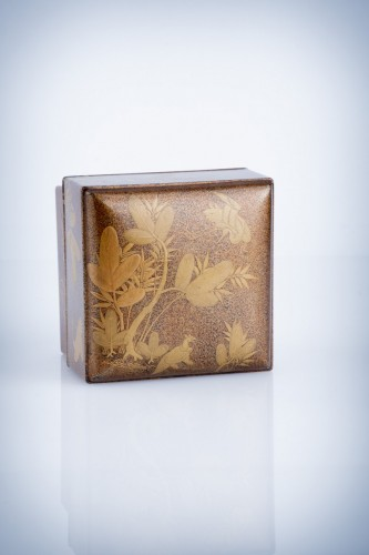 18th century - A Japanese lacquer kogo box