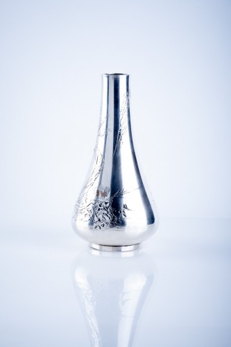 Asian Art & Antiques  - Gentoshi – A Japanese silver vase