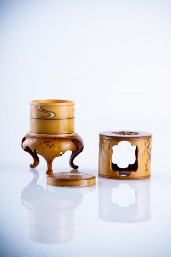A Japanese ivory kogo box -