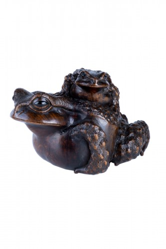 Masanao - A Japanese okimono of two toads