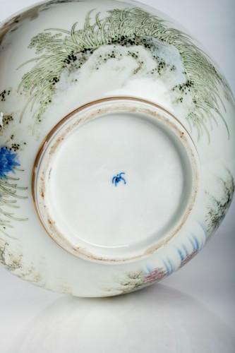- Fukagawa - A Japanese Imari globular vase