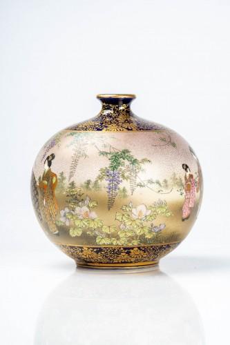 Asian Works of Art  - Kinkozan - A Japanese Satsuma globular vase depicting everyday life scene