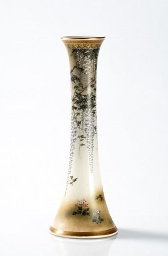 Kinkozan - A Japanese trumpet-shape vase - Asian Works of Art Style