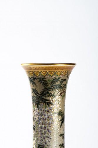 Asian Works of Art  - Kinkozan - A Japanese trumpet-shape vase