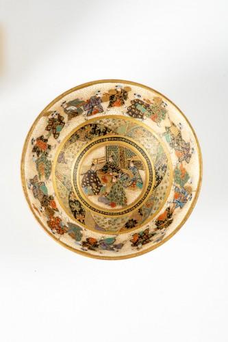 Asian Works of Art  - Kinkozan - A Japanese pair of sake bowls