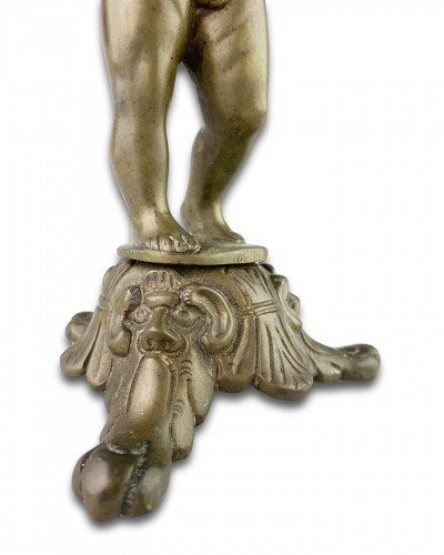 Antiquités - Bronze sculpture of a putto. Nuremberg, first half of the 16th century.