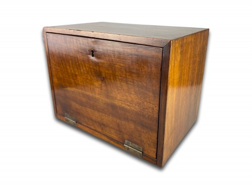 - Marquetry table cabinet. South German, first half of the 17th century.
