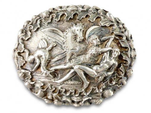 Repoussé silver box. Italian, late 17th century. - Objects of Vertu Style
