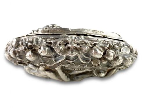 Repoussé silver box. Italian, late 17th century. -