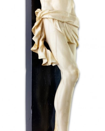 18th century - Ivory Christo vivo. French, early 18th century.