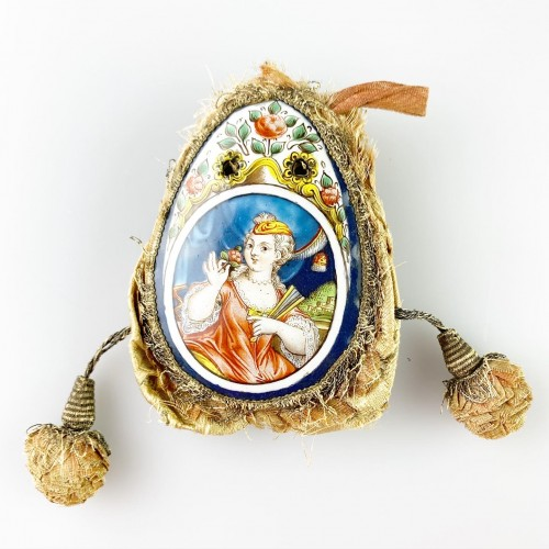 Purse with enamel plaques of Louis XV & Marie Leczinska. Limoges, c.1725. - Objects of Vertu Style