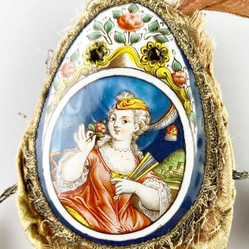 Objects of Vertu  - Purse with enamel plaques of Louis XV & Marie Leczinska. Limoges, c.1725.
