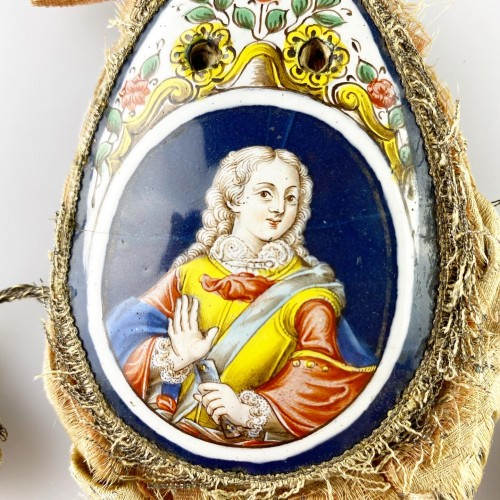 18th century - Purse with enamel plaques of Louis XV & Marie Leczinska. Limoges, c.1725.