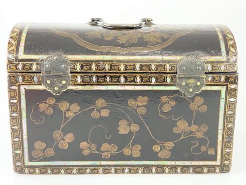 Namban lacquer casket. Japanese, Momoyama period, 16th - 17th century. -