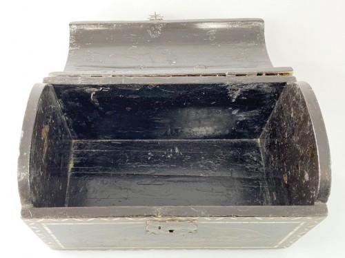 - Namban lacquer casket. Japanese, Momoyama period, 16th - 17th century.