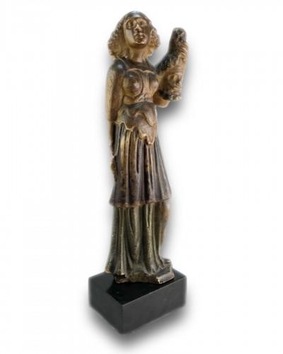 Antiquités - Alabaster sculpture of Judith. Flemish or German, late 16th century.