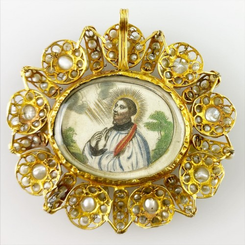 Gold & pearl pendant with sleeping Christ child. Spanish, 18th century. - Antique Jewellery Style