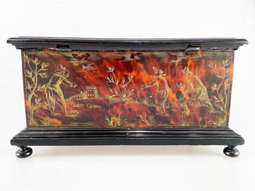 Curiosities  - Tortoiseshell casket. Italian or Spanish, late 17th century