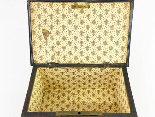 Antiquités - Tortoiseshell casket. Italian or Spanish, late 17th century