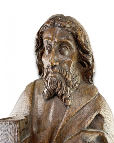 <= 16th century - Oak relief of a male saint. Northern Germany, early 16th century