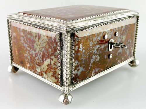 17th century - Silver moss agate casket. South German, late 17th century.