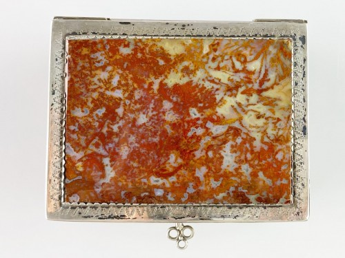 Antiquités - Silver moss agate casket. South German, late 17th century.