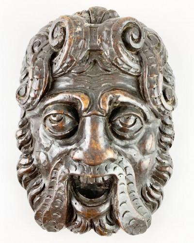 Pair of Renaissance masks of warriors. Italian, late 16th century. - Sculpture Style