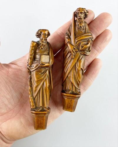 Antiquités - Boxwood knife handles. Flemish, second half of the 17th century.