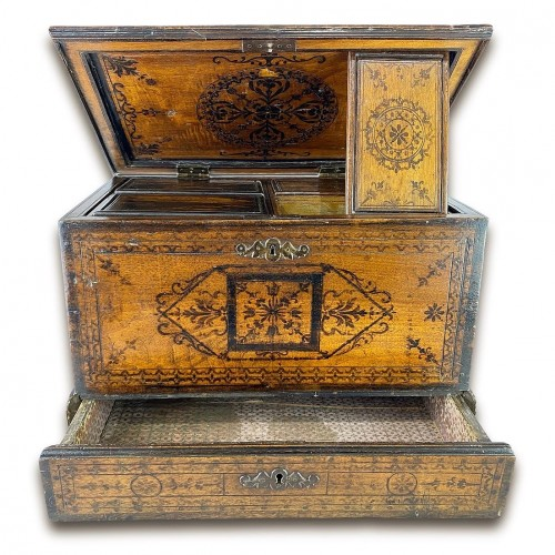 Penwork tea chest. French, mid 18th century. - Furniture Style
