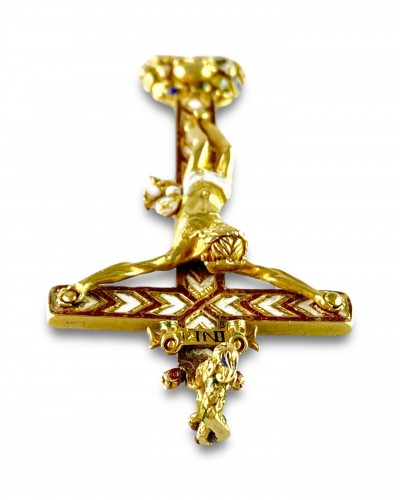 Antiquités - Gold & enamel cruciform pendant. German, second half of the 16th century.