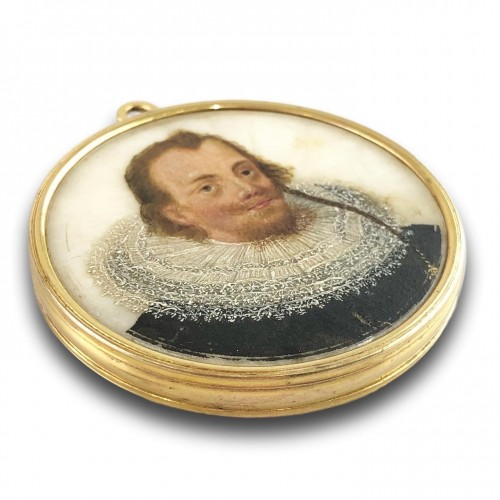 - Double sided portrait miniature on alabaster. Northern Europe, 17th century