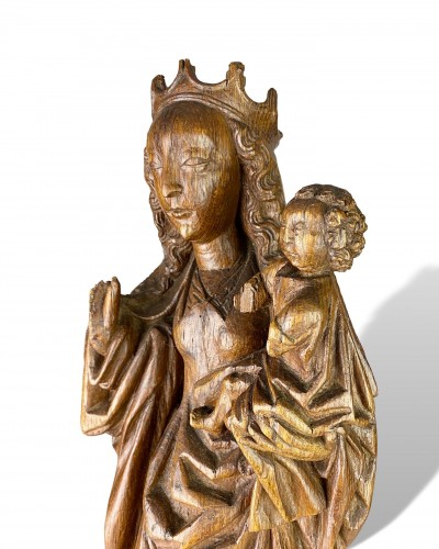 Oak Virgin and Child on a Crescent Moon. Bourgogne, early 16th century. - Sculpture Style