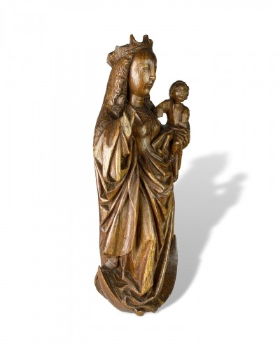 Oak Virgin and Child on a Crescent Moon. Bourgogne, early 16th century. -