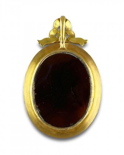 - Gold, pearl & diamond pendant with Erotic agate intaglio, 19th century.