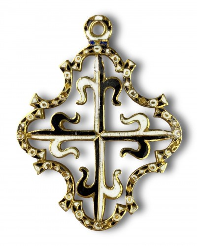 Antiquités - Gold and enamel Order for Saint Dominic. Spanish, c.1630.