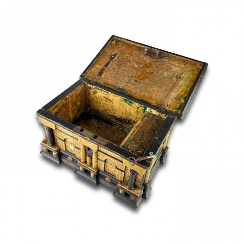 Gilded alabaster and ebonised pear wood strongbox. Malines, 17th century. - Decorative Objects Style