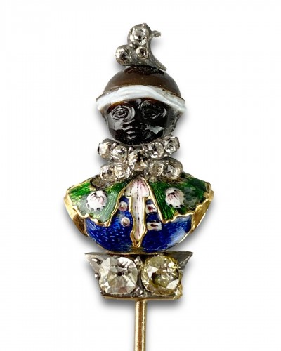 Stick pin with an agate & enamel bust of a Moorish Prince. French, 18th cen -