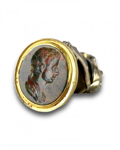 Agate & gold seal set with a Moorish Prince. French, late 17th & 18th centu - Antique Jewellery Style