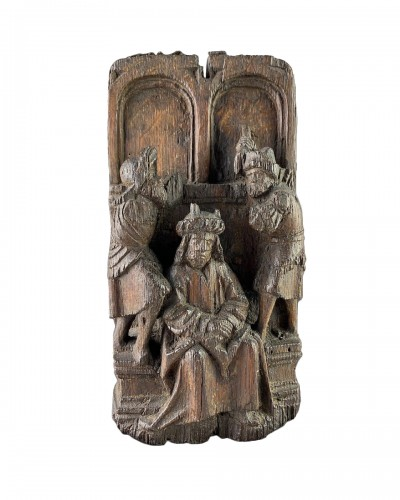 Oak retable depicting Christ crowned with thorns. Flemish, 16th century.