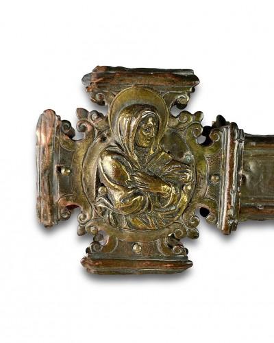 <= 16th century - Renaissance gilt copper processional cross. Italian, 15th - 16th centuries.